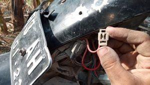 Cara menghidupkan motor tanpa kunci