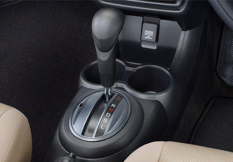 soket charger Honda Mobilio Minim