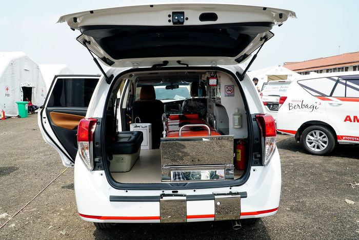 Kabin Toyota Kijang Innova Ambulans