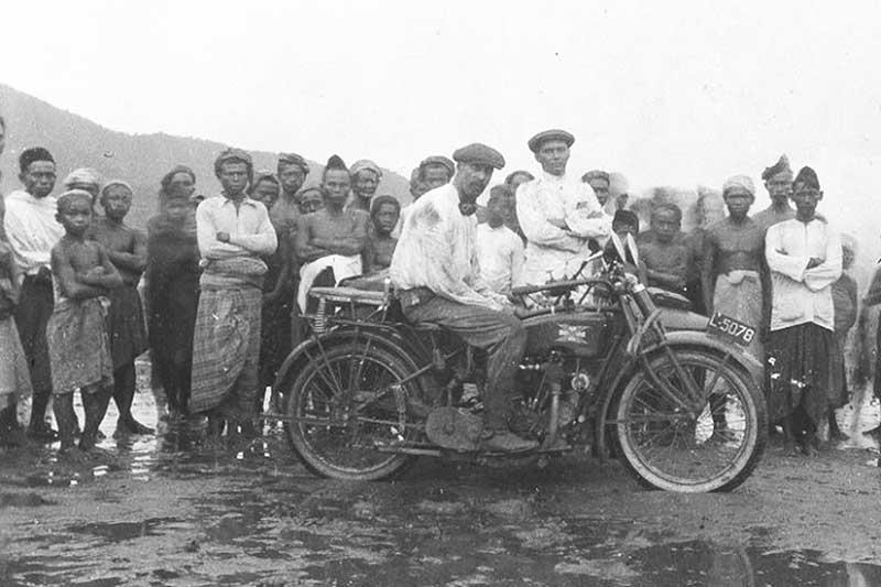 Motor pertama di Indonesia