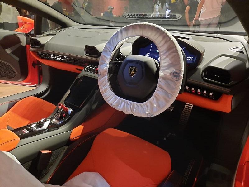 Interior Lamborghini Huracan EVO AWD