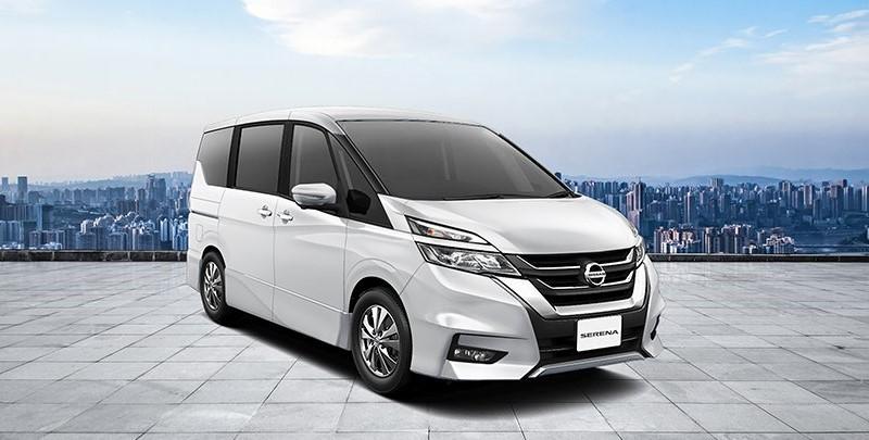 Nissan Serena, Pesaing Toyota Alphard