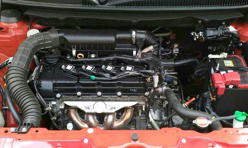 Mesin dengan kubikasi dibanding kompetitor, jadi kekurangan Suzuki Baleno hatchback