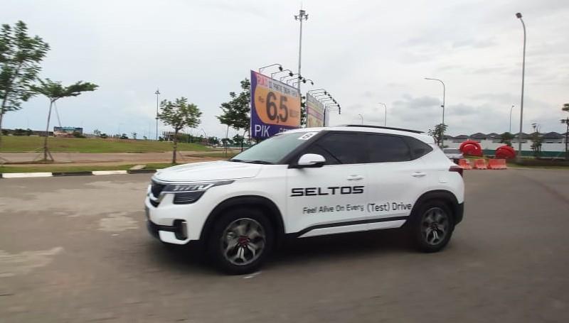 Kia Seltos mobil turbo murah