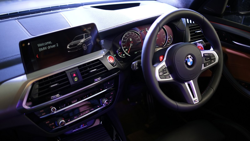 interior BMW X3 M dan X4 M Competition