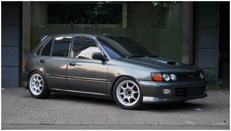 Starlet, jadi mobil tahun 90 yang banyak diburu masyarakat