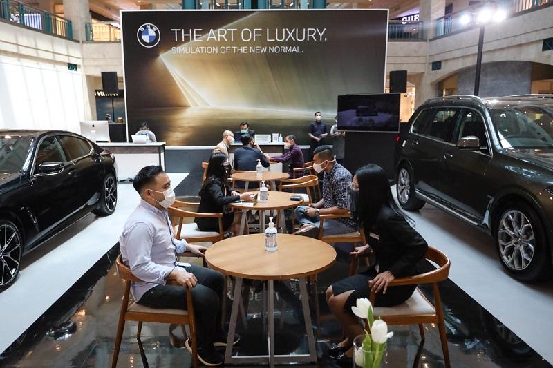 Pameran bertajuk BMW Exhibition yang berlangsung di Plaza Senayan, Jakarta