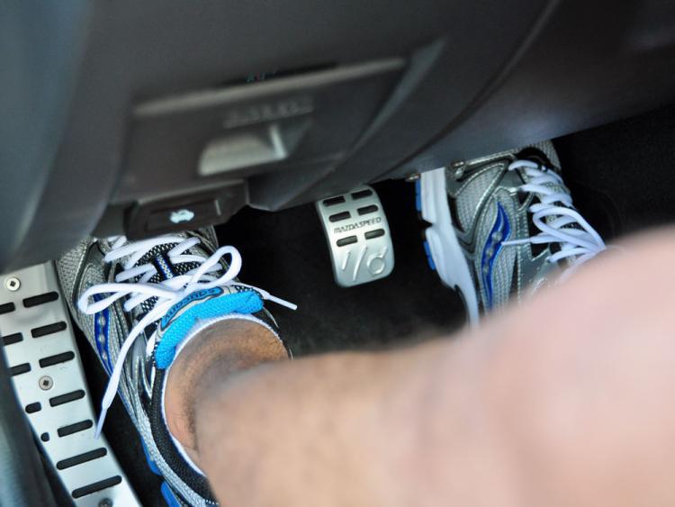 cara belajar mobil manual