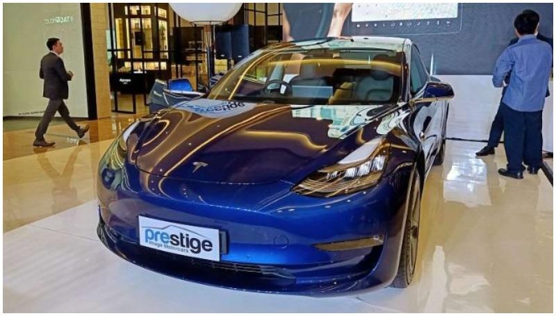 Tesla Model 3, mobil listrik terbaik di Indonesia