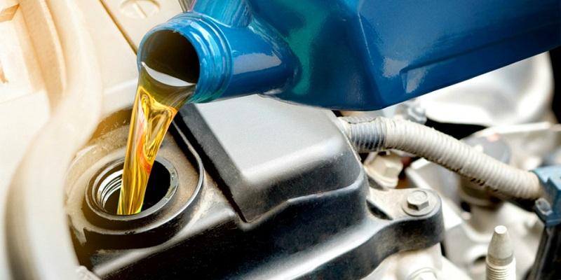 Cara mengganti oli mobil dengan mudah dan cepat