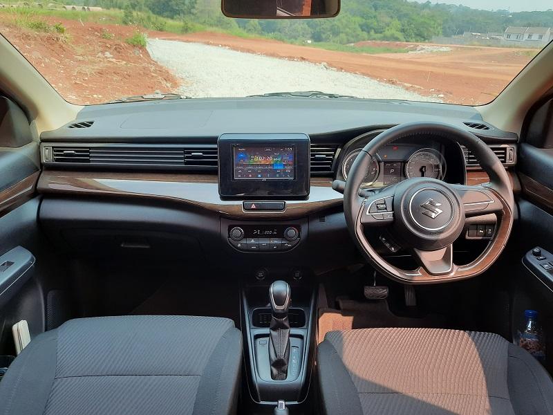 Interior Suzuki Ertiga Suzuki Sport