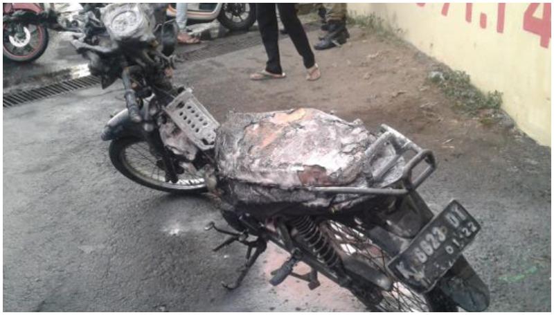 motor hangus dilahap 'Si Jago Merah'