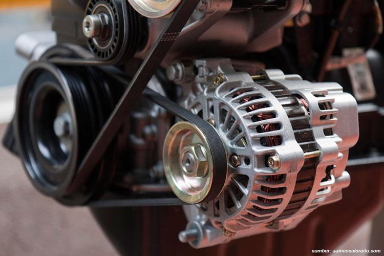 alternator di mesin mobil