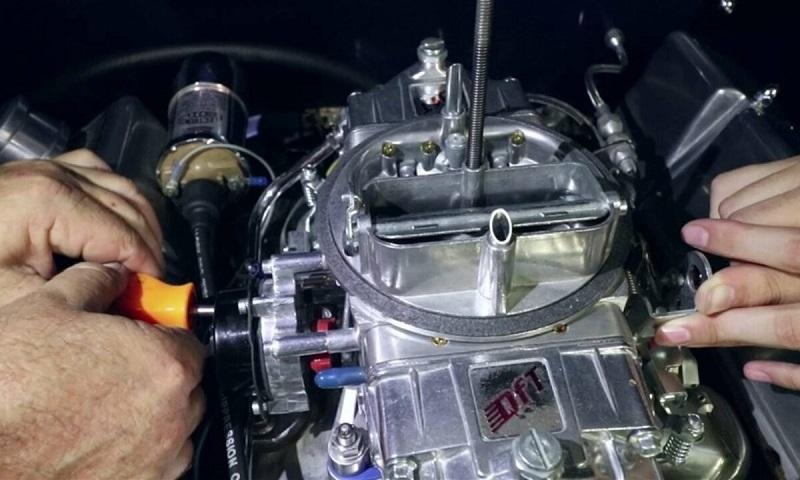 penyebab mobil susah hidup - karburator mobil rusak