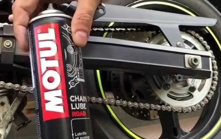 Motul C2 chain lube
