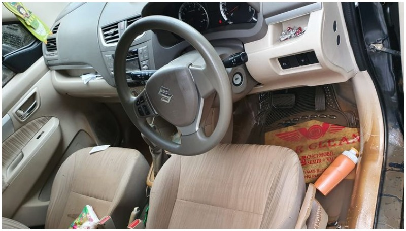 5 Cara membasmi kecoa di mobil