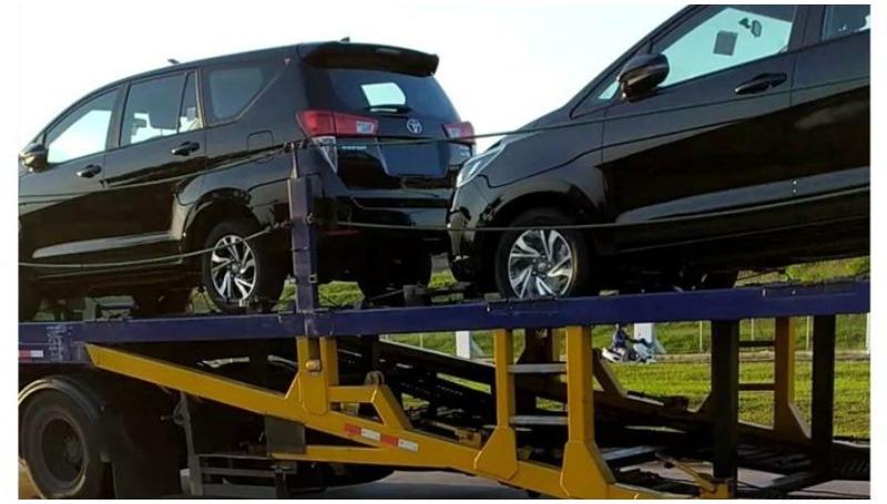 Toyota Kijang Innova facelift sedang di kirim ke dealer Toyota