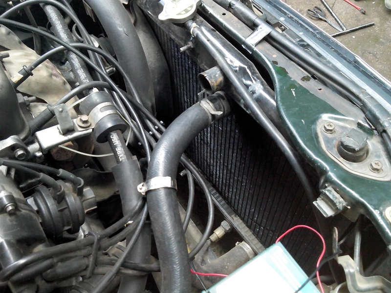 Biaya kuras radiator mobil