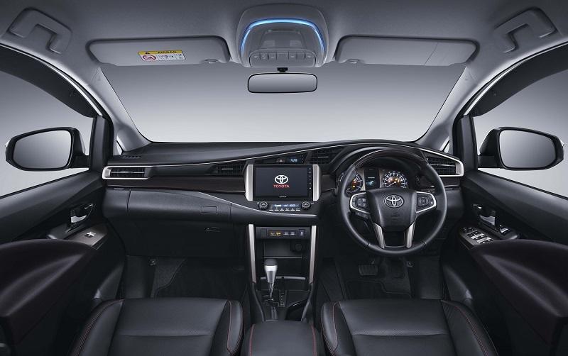 Toyota Fortuner dan Kijang Innova facelift dapat sentuhan baru di sisi interior