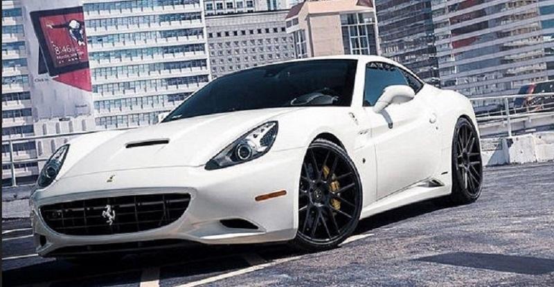 Ferrari California, koleksi mobil Khabib Nurmagedov