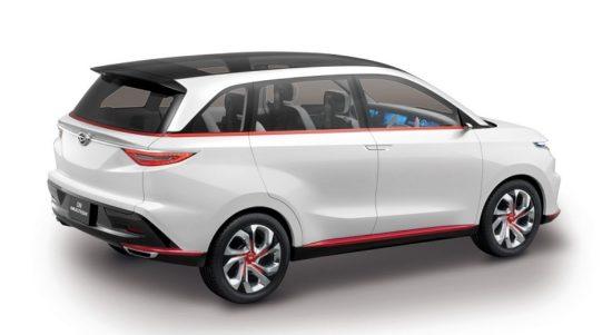 Toyota Avanza Hybrid 002