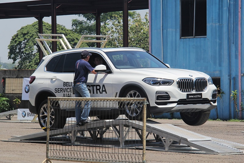 BMW Astra Urban Driving Experience