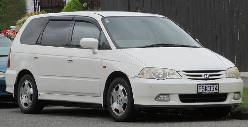 Generasi kedua Honda Odyssey