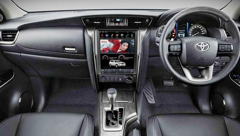 Head unit Mirai M-T680 dan M-652A lansiran Asuka Car TV untuk Pajero Sport dan Fortuner