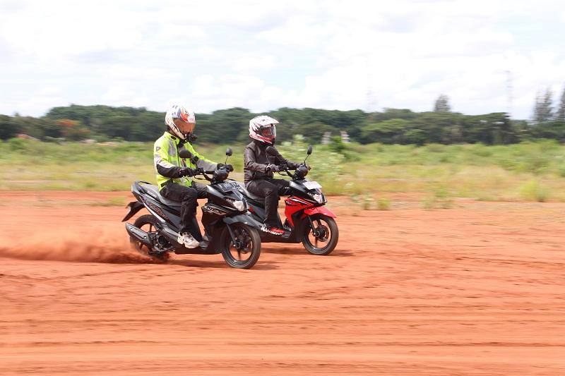 Uji ketangguhan Suzuki Nex Crossover