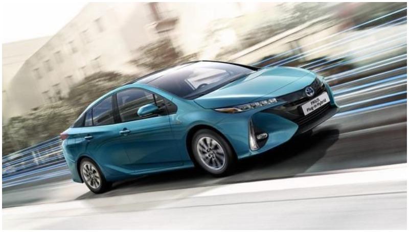 Toyota Prius PHEV, Mobil listrik yang meluncur di 2020