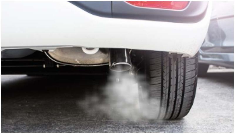 Penyebab knalpot mobil mengeluarkan asap