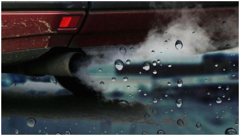 Indikasi mobil mengeluarkan air dari knalpot