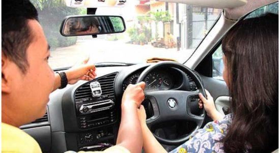 kisaran biaya kursus mengemudi mobil