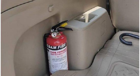 Regulasi terkait alat pemadam api ringan di mobil