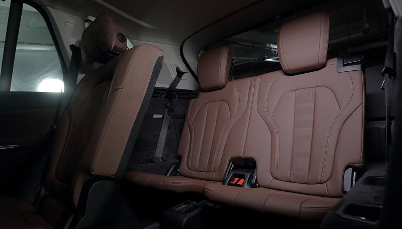 interior bmw x5 7-seater 2021