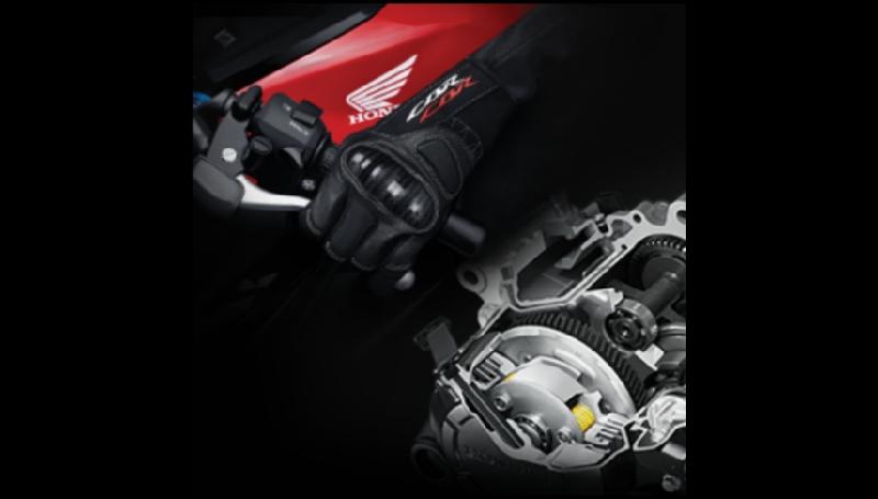 Fitur assist and slipper clutch di motor 150 cc