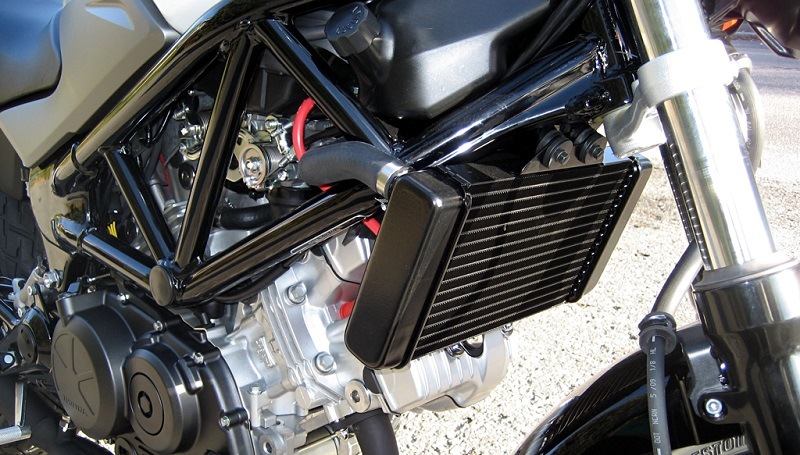 fungsi radiator motor