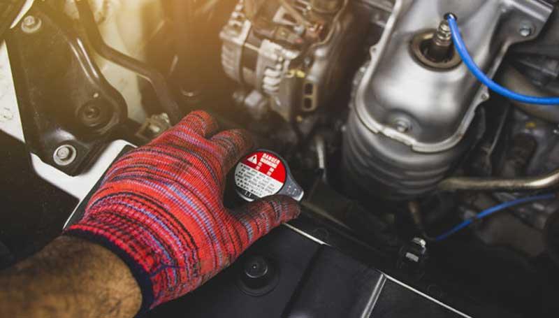 Cara menguras radiator mobil