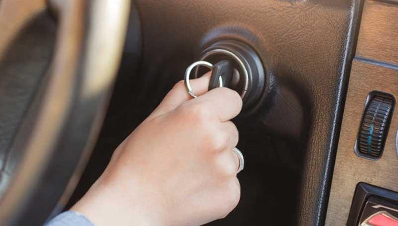 Kunci kontak mobil tidak bisa diputar