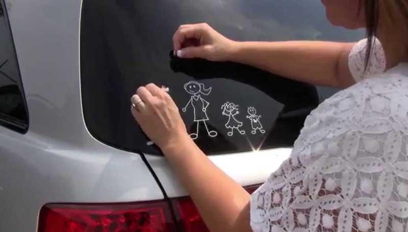 cara menghilangkan bekas stiker di kaca mobil