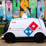 mobil otonomos jadi pengantar pizza
