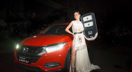 Ini Dia Model Cantik yang Dapat SUV Honda HR-V
