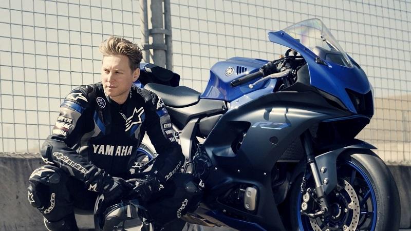 motor sport yamaha r7
