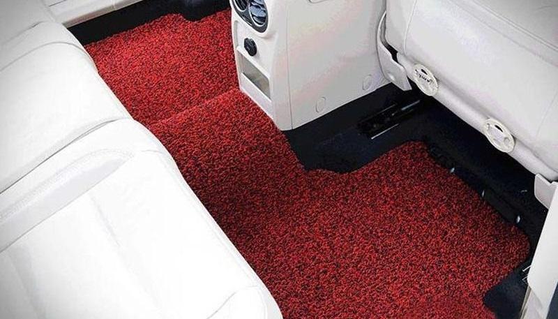 cara merawat kabin mobil - cuci karpet dasar