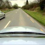 Cara Menyalip kendaraan