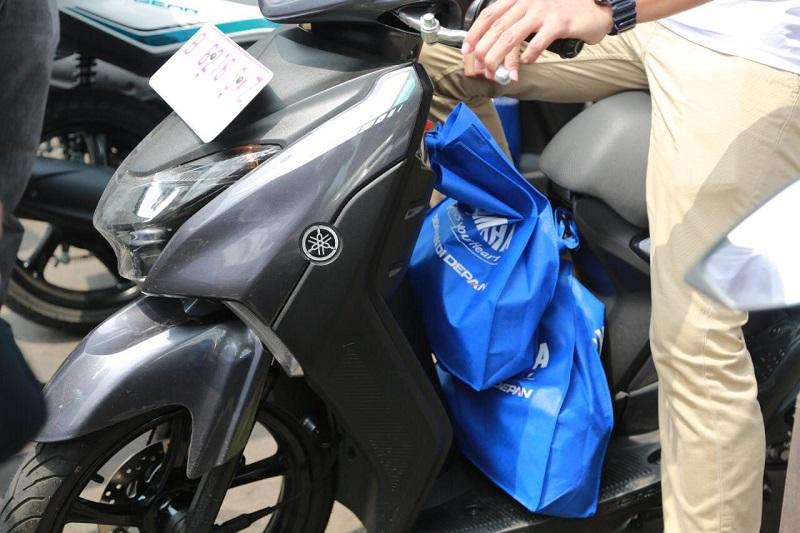 Cara bawa barang dengan sepeda motor