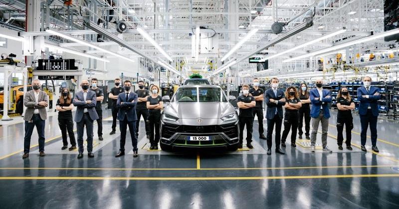 penjualan Lamborghini Urus