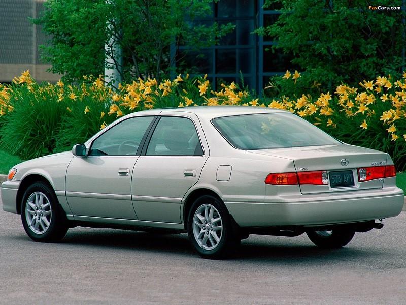 Harga Toyota Camry Bekas