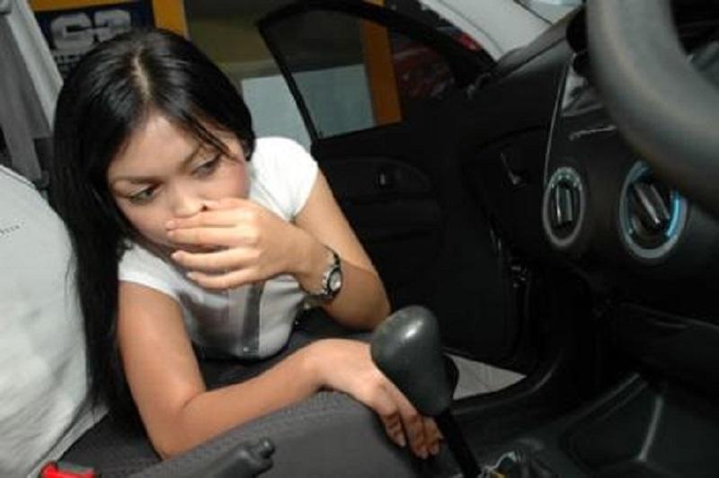 ciri-ciri transmisi mobil manual rusak