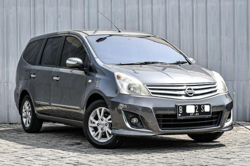 Review Nissan Grand Livina